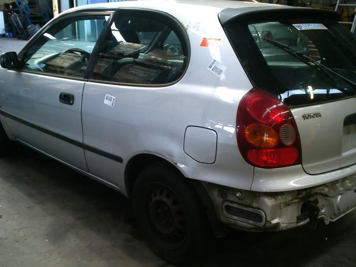 Toyota Corolla (EB/WZ/CD) 2.0 D-4D 16V (klik op de afbeelding voor de volgende foto)