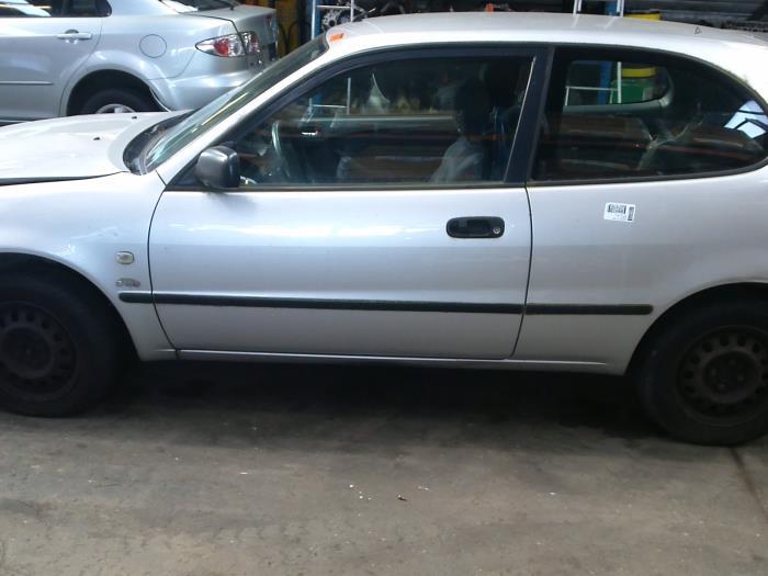 Toyota Corolla (EB/WZ/CD) 2.0 D-4D 16V (klik op de afbeelding voor de volgende foto)  (klik op de afbeelding voor de volgende foto)  (klik op de afbeelding voor de volgende foto)  (klik op de afbeelding voor de volgende foto)  (klik op de afbeelding voor de volgende foto)  (klik op de afbeelding voor de volgende foto)  (klik op de afbeelding voor de volgende foto)