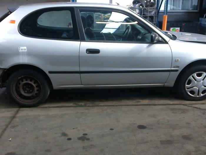 Toyota Corolla (EB/WZ/CD) 2.0 D-4D 16V (klik op de afbeelding voor de volgende foto)  (klik op de afbeelding voor de volgende foto)  (klik op de afbeelding voor de volgende foto)  (klik op de afbeelding voor de volgende foto)