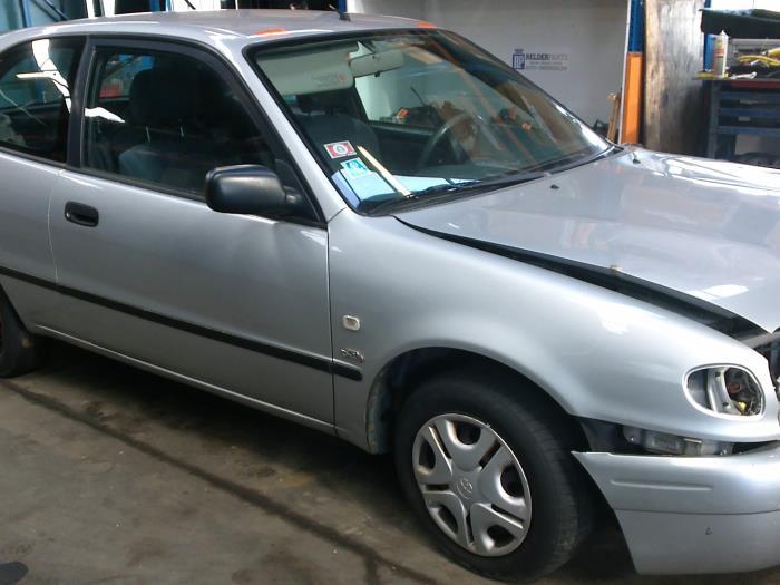 Toyota Corolla (EB/WZ/CD) 2.0 D-4D 16V (klik op de afbeelding voor de volgende foto)  (klik op de afbeelding voor de volgende foto)  (klik op de afbeelding voor de volgende foto)  (klik op de afbeelding voor de volgende foto)  (klik op de afbeelding voor de volgende foto)