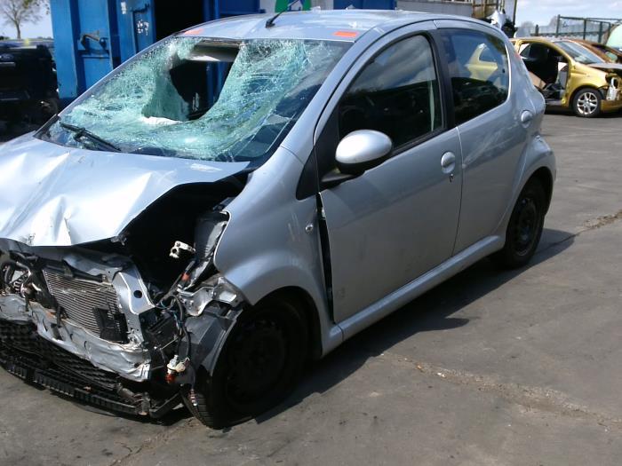 Toyota Aygo (B10) 1.0 12V VVT-i 2011 Motorsteun (klik op de afbeelding voor de volgende foto)