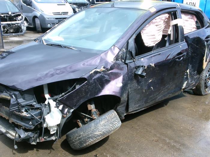 Mazda 2 (DE) 1.4 CDVi 16V 2008 Motorrubber (klik op de afbeelding voor de volgende foto)