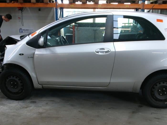 Toyota Yaris II (P9) 1.4 D-4D (klik op de afbeelding voor de volgende foto)  (klik op de afbeelding voor de volgende foto)  (klik op de afbeelding voor de volgende foto)  (klik op de afbeelding voor de volgende foto)  (klik op de afbeelding voor de volgende foto)  (klik op de afbeelding voor de volgende foto)  (klik op de afbeelding voor de volgende foto)