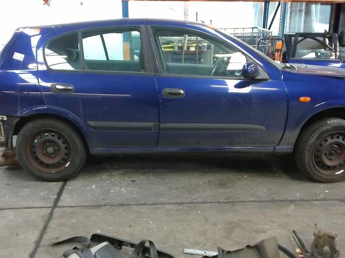 Nissan Almera (N16) 1.8 16V (klik op de afbeelding voor de volgende foto)  (klik op de afbeelding voor de volgende foto)  (klik op de afbeelding voor de volgende foto)  (klik op de afbeelding voor de volgende foto)