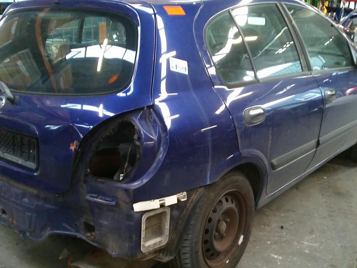 Nissan Almera (N16) 1.8 16V (klik op de afbeelding voor de volgende foto)  (klik op de afbeelding voor de volgende foto)  (klik op de afbeelding voor de volgende foto)