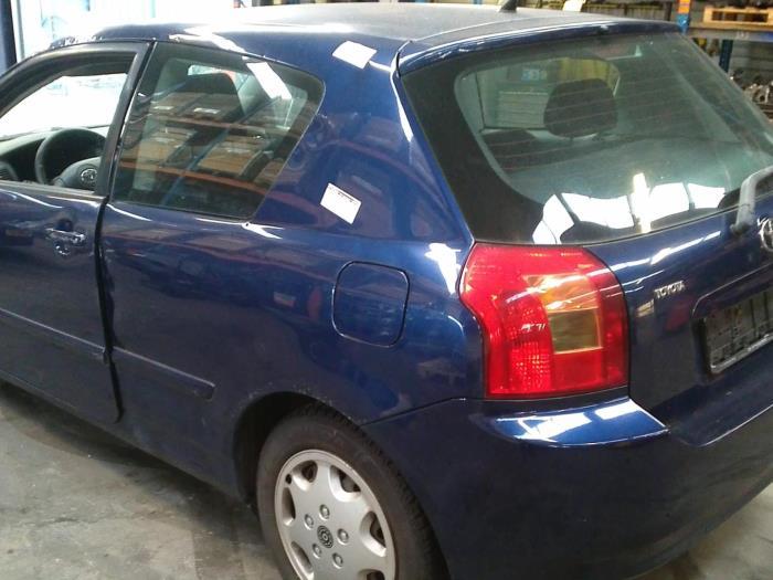 Toyota Corolla (E12) 1.4 16V VVT-i 2003 Instrumentenpaneel (klik op de afbeelding voor de volgende foto)