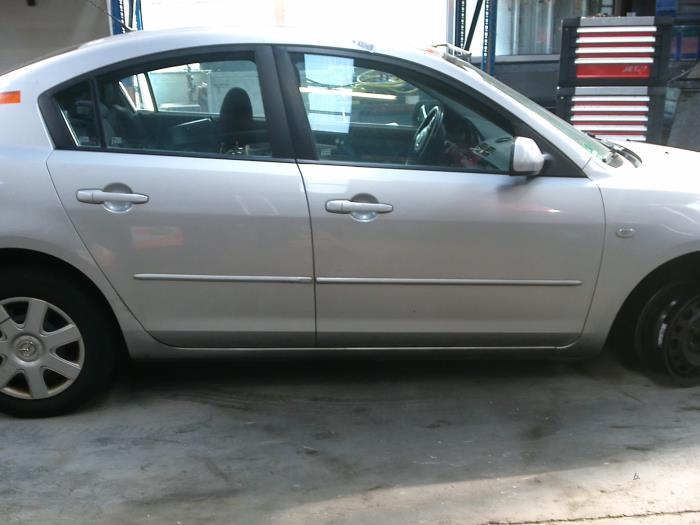 Mazda 3 (BK12) 1.6 CiTD 16V (klik op de afbeelding voor de volgende foto)  (klik op de afbeelding voor de volgende foto)  (klik op de afbeelding voor de volgende foto)  (klik op de afbeelding voor de volgende foto)