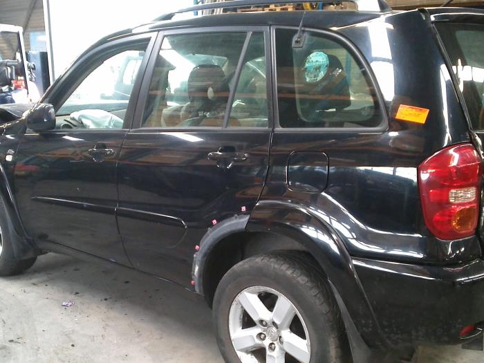 Toyota RAV4 (A2) 2.0 D-4D 16V 4x4 (klik op de afbeelding voor de volgende foto)