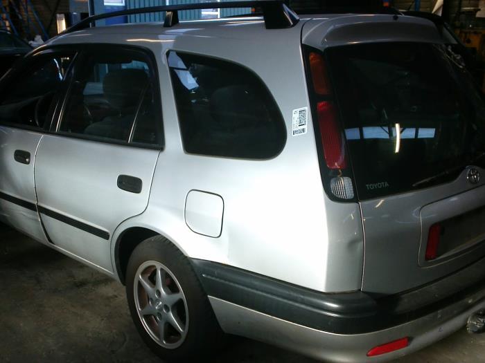 Toyota Corolla Wagon (EB/WZ/CD) 1.6 16V VVT-i 2002 Deur 4Deurs rechts-voor (klik op de afbeelding voor de volgende foto)