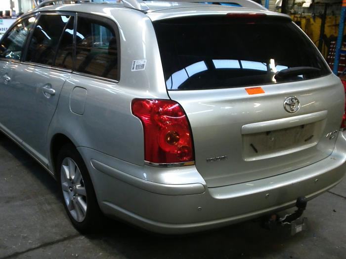 Toyota Avensis Wagon (T25/B1E) 2.2 D-4D 16V (klik op de afbeelding voor de volgende foto)