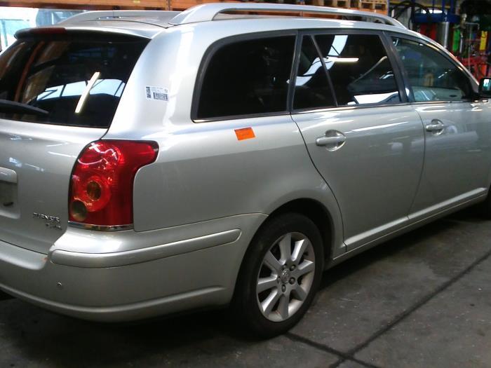 Toyota Avensis Wagon (T25/B1E) 2.2 D-4D 16V (klik op de afbeelding voor de volgende foto)  (klik op de afbeelding voor de volgende foto)  (klik op de afbeelding voor de volgende foto)