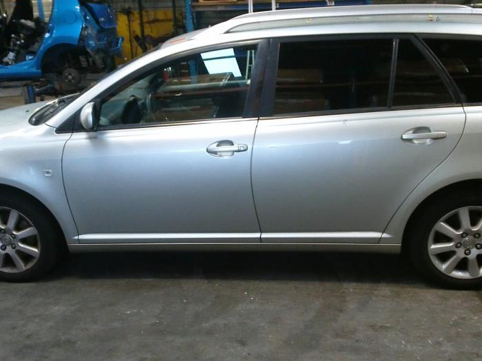 Toyota Avensis Wagon (T25/B1E) 2.2 D-4D 16V 2006 Vacuum ventiel (klik op de afbeelding voor de volgende foto)