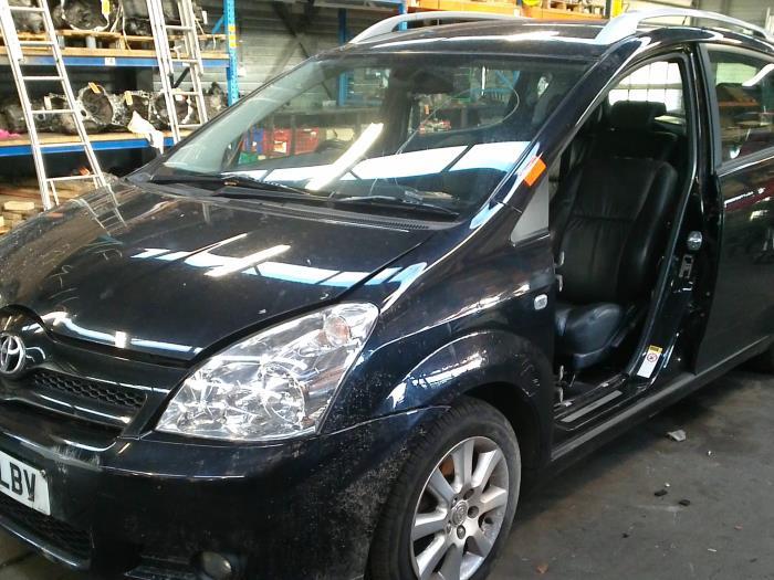 Toyota Corolla Verso (R10/11) 2.2 D-4D 16V (klik op de afbeelding voor de volgende foto)  (klik op de afbeelding voor de volgende foto)  (klik op de afbeelding voor de volgende foto)  (klik op de afbeelding voor de volgende foto)  (klik op de afbeelding voor de volgende foto)  (klik op de afbeelding voor de volgende foto)  (klik op de afbeelding voor de volgende foto)  (klik op de afbeelding voor de volgende foto)