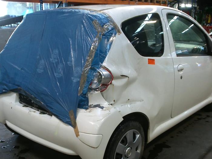 Toyota Aygo (B10) 1.4 HDI 2008 Centrale Deurvergrendelings Module (klik op de afbeelding voor de volgende foto)
