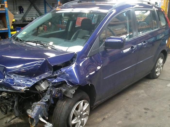 Mazda 5 (CR19) 1.8i 16V (klik op de afbeelding voor de volgende foto)