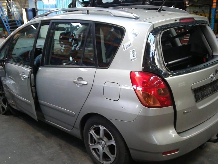Toyota Corolla Verso (E12) 1.6 16V VVT-i (klik op de afbeelding voor de volgende foto)