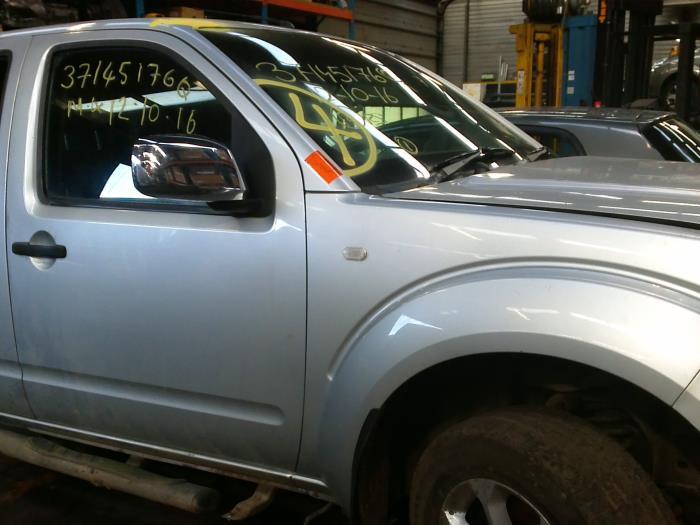 Nissan Navara (D40) 2.5 dCi 16V 4x4 (klik op de afbeelding voor de v