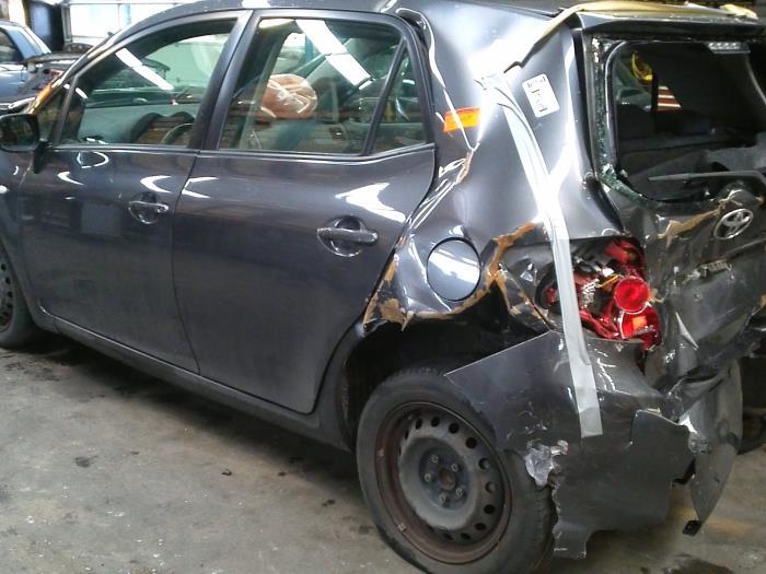 Toyota Auris (E15) 1.6 Dual VVT-i 16V (klik op de afbeelding voor de volgende foto)