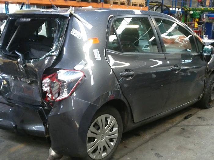 Toyota Auris (E15) 1.6 Dual VVT-i 16V (klik op de afbeelding voor de volgende foto)  (klik op de afbeelding voor de volgende foto)  (klik op de afbeelding voor de volgende foto)