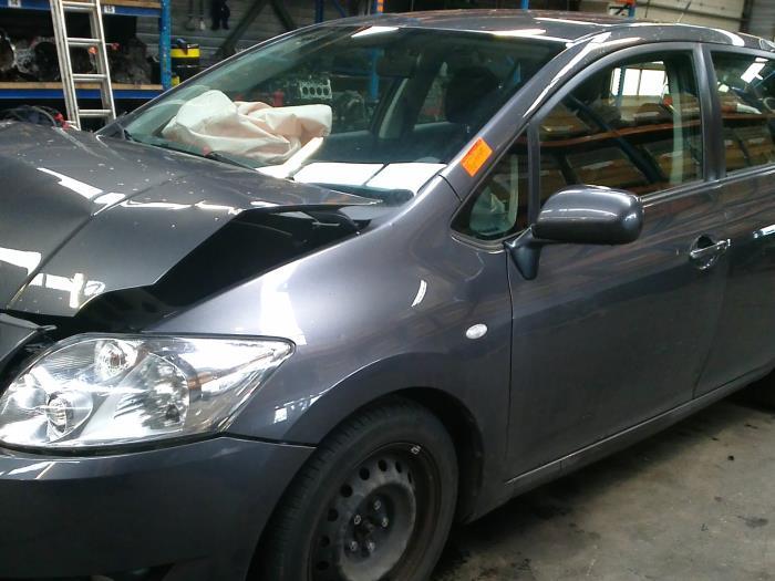 Toyota Auris (E15) 1.6 Dual VVT-i 16V (klik op de afbeelding voor de volgende foto)  (klik op de afbeelding voor de volgende foto)  (klik op de afbeelding voor de volgende foto)  (klik op de afbeelding voor de volgende foto)  (klik op de afbeelding voor de volgende foto)  (klik op de afbeelding voor de volgende foto)  (klik op de afbeelding voor de volgende foto)  (klik op de afbeelding voor de volgende foto)