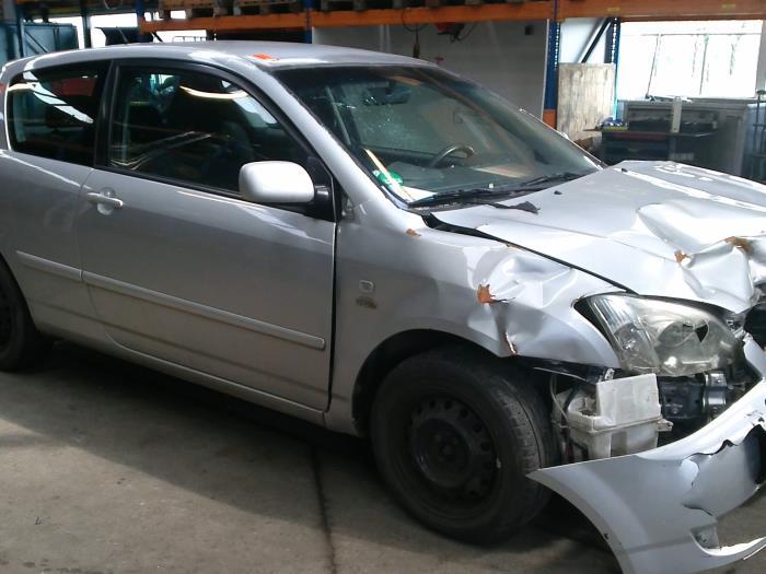 Toyota Corolla (E12) 2.0 D-4D 16V 116 (klik op de afbeelding voor de volgende foto)  (klik op de afbeelding voor de volgende foto)  (klik op de afbeelding voor de volgende foto)  (klik op de afbeelding voor de volgende foto)  (klik op de afbeelding voor de volgende foto)