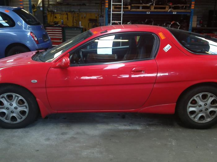 Mazda MX-3 1.8i V6 24V (klik op de afbeelding voor de volgende foto)  (klik op de afbeelding voor de volgende foto)  (klik op de afbeelding voor de volgende foto)  (klik op de afbeelding voor de volgende foto)  (klik op de afbeelding voor de volgende foto)  (klik op de afbeelding voor de volgende foto)