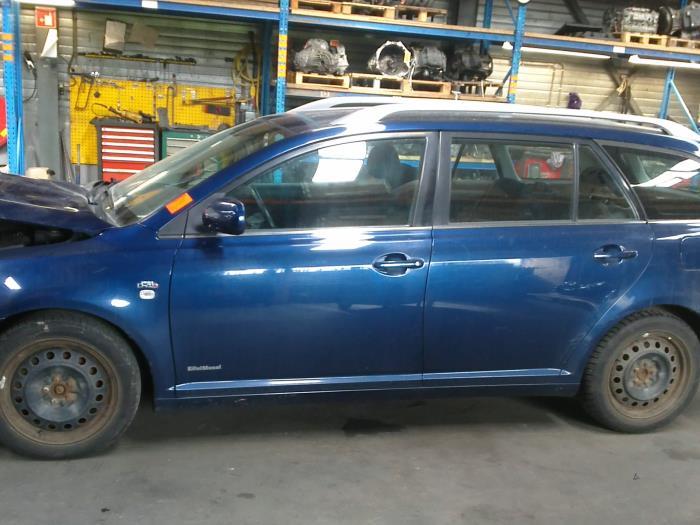 Toyota Avensis Wagon (T25/B1E) 2.0 16V D-4D (klik op de afbeelding voor de volgende foto)  (klik op de afbeelding voor de volgende foto)  (klik op de afbeelding voor de volgende foto)  (klik op de afbeelding voor de volgende foto)  (klik op de afbeelding voor de volgende foto)  (klik op de afbeelding voor de volgende foto)  (klik op de afbeelding voor de volgende foto)