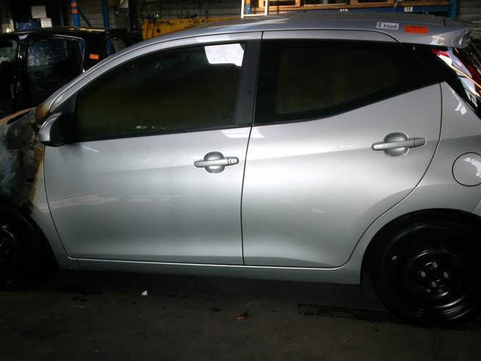 Toyota Aygo (B40) 1.0 12V VVT-i (klik op de afbeelding voor de volgende foto)  (klik op de afbeelding voor de volgende foto)  (klik op de afbeelding voor de volgende foto)  (klik op de afbeelding voor de volgende foto)  (klik op de afbeelding voor de volgende foto)  (klik op de afbeelding voor de volgende foto)  (klik op de afbeelding voor de volgende foto)