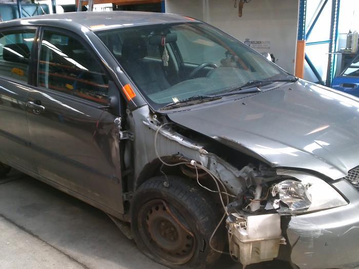 Toyota Corolla (E12) 2.0 D-4D 16V 90 (klik op de afbeelding voor de volgende foto)  (klik op de afbeelding voor de volgende foto)  (klik op de afbeelding voor de volgende foto)  (klik op de afbeelding voor de volgende foto)  (klik op de afbeelding voor de volgende foto)