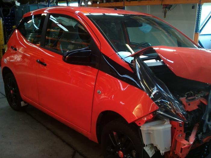 Toyota Aygo (B40) 1.0 12V VVT-i (klik op de afbeelding voor de volgende foto)  (klik op de afbeelding voor de volgende foto)  (klik op de afbeelding voor de volgende foto)  (klik op de afbeelding voor de volgende foto)  (klik op de afbeelding voor de volgende foto)