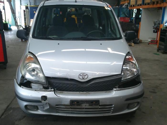 Toyota Yaris Verso (P2) 1.5 16V (klik op de afbeelding voor de volgende foto)  (klik op de afbeelding voor de volgende foto)  (klik op de afbeelding voor de volgende foto)  (klik op de afbeelding voor de volgende foto)  (klik op de afbeelding voor de volgende foto)  (klik op de afbeelding voor de volgende foto)