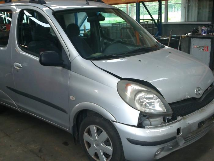 Toyota Yaris Verso (P2) 1.5 16V (klik op de afbeelding voor de volgende foto)  (klik op de afbeelding voor de volgende foto)  (klik op de afbeelding voor de volgende foto)  (klik op de afbeelding voor de volgende foto)  (klik op de afbeelding voor de volgende foto)