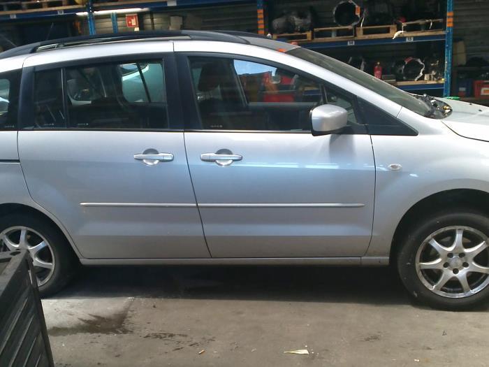 Mazda 5 (CR19) 2.0 CiDT 16V High Power (klik op de afbeelding voor de volgende foto)  (klik op de afbeelding voor de volgende foto)  (klik op de afbeelding voor de volgende foto)  (klik op de afbeelding voor de volgende foto)