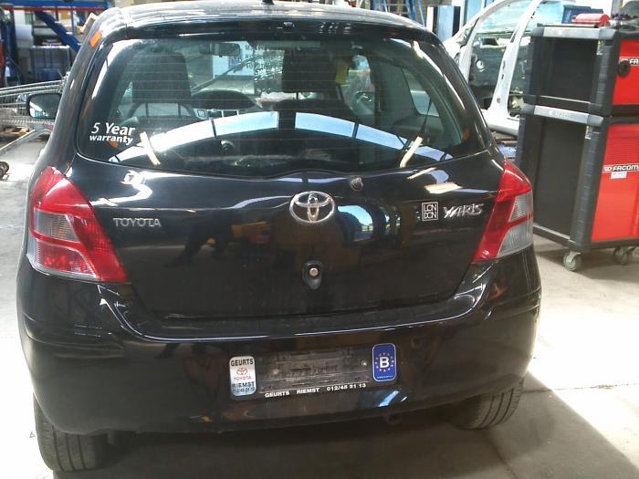 Toyota Yaris II (P9) 1.33 16V Dual VVT-I (klik op de afbeelding voor de volgende foto)  (klik op de afbeelding voor de volgende foto)