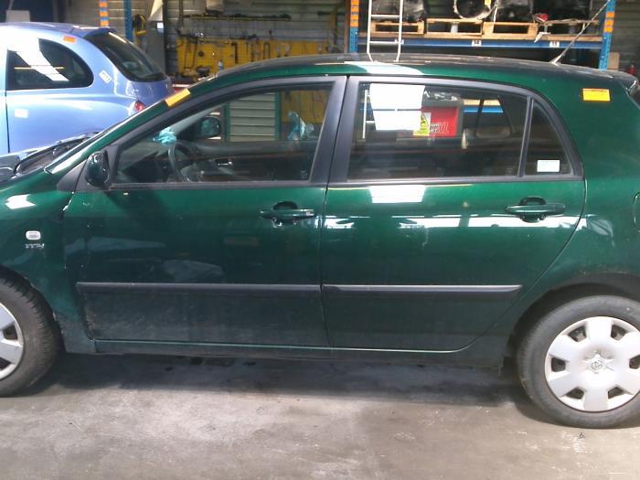 Toyota Corolla (E12) 1.4 16V VVT-i (klik op de afbeelding voor de volgende foto)  (klik op de afbeelding voor de volgende foto)  (klik op de afbeelding voor de volgende foto)  (klik op de afbeelding voor de volgende foto)  (klik op de afbeelding voor de volgende foto)  (klik op de afbeelding voor de volgende foto)  (klik op de afbeelding voor de volgende foto)