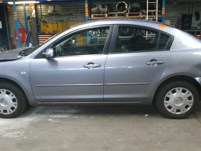 Mazda 3 (BK12) 1.6i 16V (klik op de afbeelding voor de volgende foto)  (klik op de afbeelding voor de volgende foto)  (klik op de afbeelding voor de volgende foto)  (klik op de afbeelding voor de volgende foto)  (klik op de afbeelding voor de volgende foto)  (klik op de afbeelding voor de volgende foto)  (klik op de afbeelding voor de volgende foto)