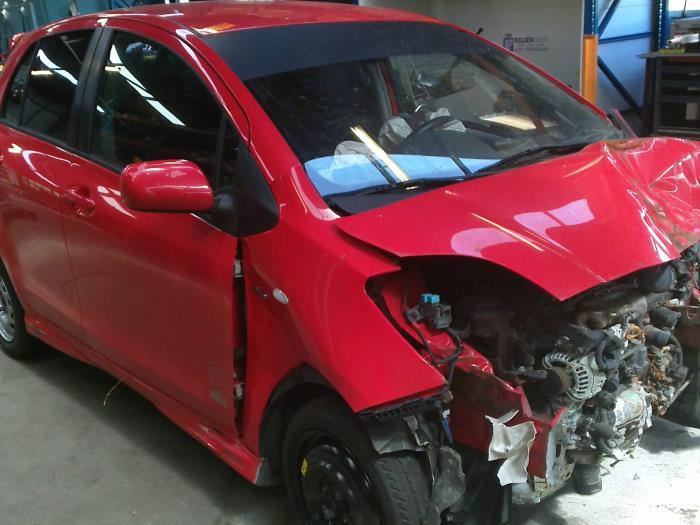 Toyota Yaris II (P9) 1.4 D-4D (klik op de afbeelding voor de volgende foto)  (klik op de afbeelding voor de volgende foto)  (klik op de afbeelding voor de volgende foto)  (klik op de afbeelding voor de volgende foto)  (klik op de afbeelding voor de volgende foto)