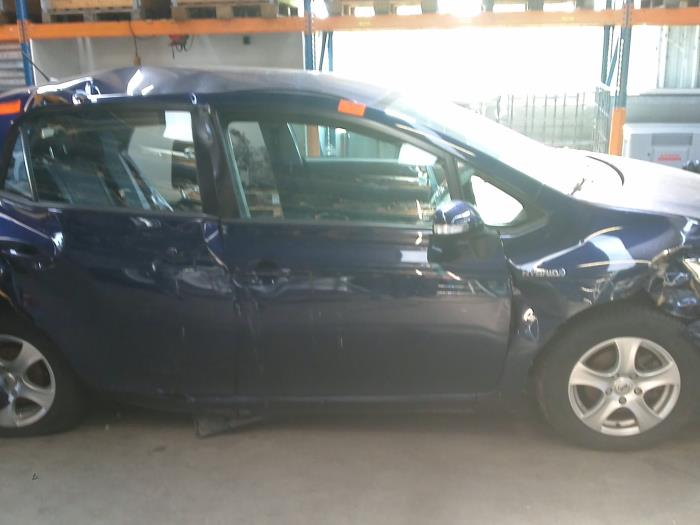 Toyota Auris (E15) 1.8 16V HSD Full Hybrid (klik op de afbeelding voor de volgende foto)  (klik op de afbeelding voor de volgende foto)  (klik op de afbeelding voor de volgende foto)  (klik op de afbeelding voor de volgende foto)