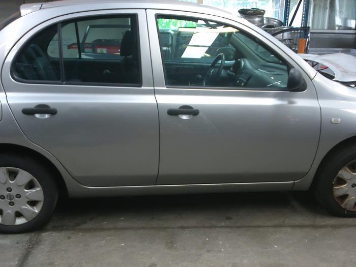 Nissan Micra (K12) 1.5 dCi 68 2007 Binnenscherm (klik op de afbeelding voor de volgende foto)