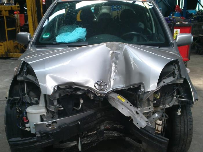Toyota Yaris (P1) 1.3 16V VVT-i (klik op de afbeelding voor de volgende foto)  (klik op de afbeelding voor de volgende foto)  (klik op de afbeelding voor de volgende foto)  (klik op de afbeelding voor de volgende foto)  (klik op de afbeelding voor de volgende foto)  (klik op de afbeelding voor de volgende foto)