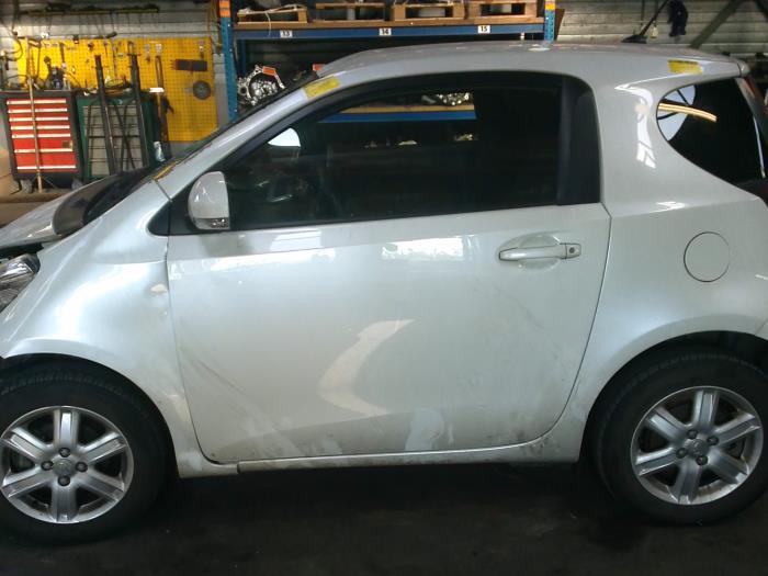 Toyota iQ 1.0 12V VVT-i (klik op de afbeelding voor de volgende foto)  (klik op de afbeelding voor de volgende foto)  (klik op de afbeelding voor de volgende foto)  (klik op de afbeelding voor de volgende foto)  (klik op de afbeelding voor de volgende foto)  (klik op de afbeelding voor de volgende foto)  (klik op de afbeelding voor de volgende foto)