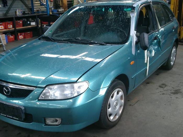 Mazda 323 Fastbreak (BJ14) 1.6 16V (klik op de afbeelding voor de volgende foto)  (klik op de afbeelding voor de volgende foto)  (klik op de afbeelding voor de volgende foto)  (klik op de afbeelding voor de volgende foto)  (klik op de afbeelding voor de volgende foto)  (klik op de afbeelding voor de volgende foto)  (klik op de afbeelding voor de volgende foto)  (klik op de afbeelding voor de volgende foto)