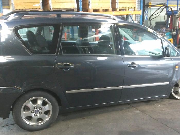 Toyota Avensis Verso (M20) 2.0 D-4D 16V (klik op de afbeelding voor de volgende foto)  (klik op de afbeelding voor de volgende foto)  (klik op de afbeelding voor de volgende foto)  (klik op de afbeelding voor de volgende foto)
