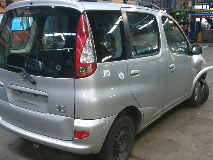 Toyota Yaris Verso (P2) 1.3 16V (klik op de afbeelding voor de volgende foto)  (klik op de afbeelding voor de volgende foto)  (klik op de afbeelding voor de volgende foto)