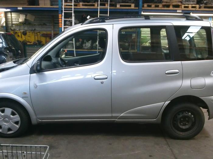Toyota Yaris Verso (P2) 1.3 16V (klik op de afbeelding voor de volgende foto)  (klik op de afbeelding voor de volgende foto)  (klik op de afbeelding voor de volgende foto)  (klik op de afbeelding voor de volgende foto)  (klik op de afbeelding voor de volgende foto)  (klik op de afbeelding voor de volgende foto)  (klik op de afbeelding voor de volgende foto)