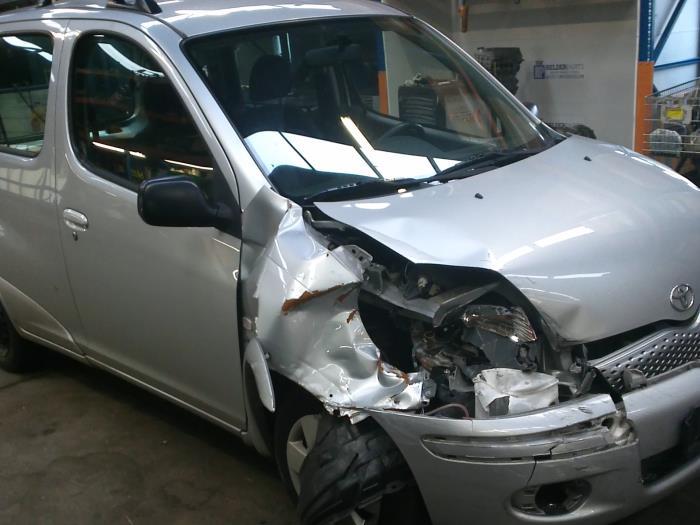 Toyota Yaris Verso (P2) 1.3 16V (klik op de afbeelding voor de volgende foto)  (klik op de afbeelding voor de volgende foto)  (klik op de afbeelding voor de volgende foto)  (klik op de afbeelding voor de volgende foto)  (klik op de afbeelding voor de volgende foto)