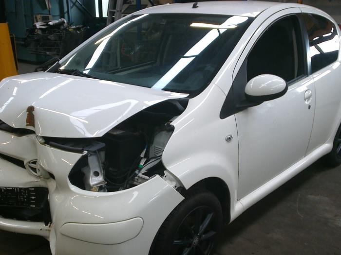 Toyota Aygo (B10) 1.0 12V VVT-i (klik op de afbeelding voor de volgende foto)  (klik op de afbeelding voor de volgende foto)  (klik op de afbeelding voor de volgende foto)  (klik op de afbeelding voor de volgende foto)  (klik op de afbeelding voor de volgende foto)  (klik op de afbeelding voor de volgende foto)  (klik op de afbeelding voor de volgende foto)  (klik op de afbeelding voor de volgende foto)