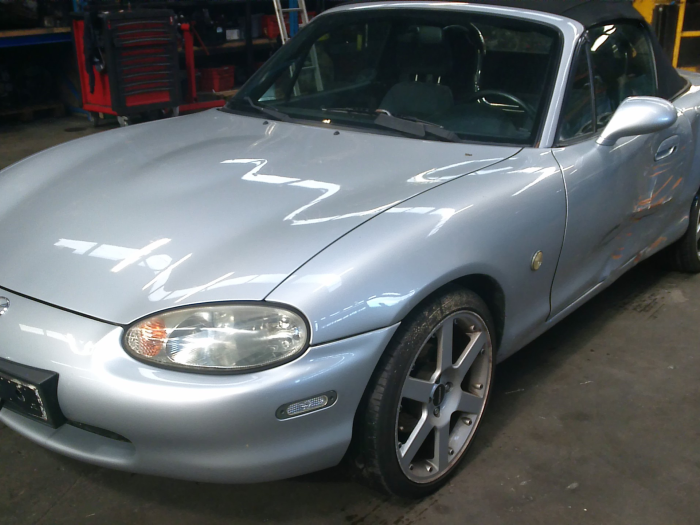Mazda MX-5 (NB18/35/8C) 1.6i 16V (klik op de afbeelding voor de volgende foto)  (klik op de afbeelding voor de volgende foto)  (klik op de afbeelding voor de volgende foto)  (klik op de afbeelding voor de volgende foto)  (klik op de afbeelding voor de volgende foto)  (klik op de afbeelding voor de volgende foto)  (klik op de afbeelding voor de volgende foto)  (klik op de afbeelding voor de volgende foto)