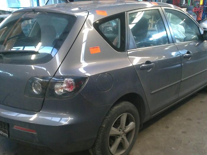 Mazda 3 (BK12) 1.6 MZ-CD 16V (klik op de afbeelding voor de volgende foto)  (klik op de afbeelding voor de volgende foto)  (klik op de afbeelding voor de volgende foto)