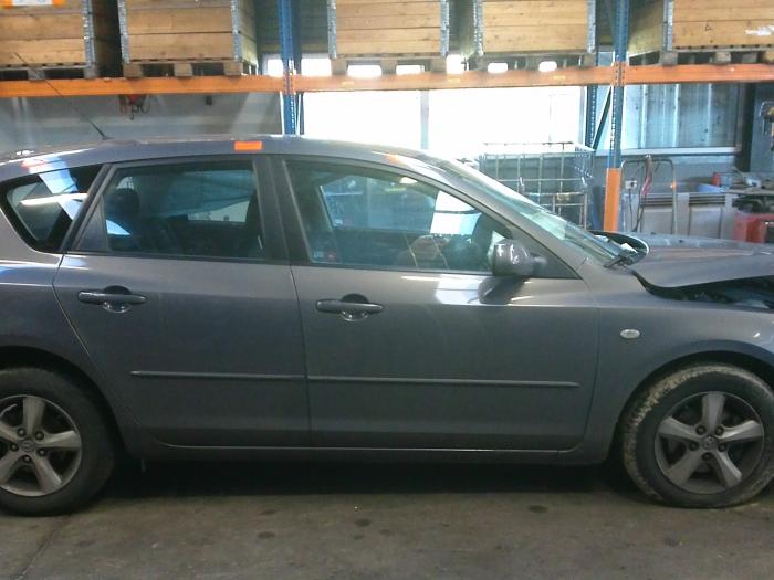 Mazda 3 (BK12) 1.6 MZ-CD 16V (klik op de afbeelding voor de volgende foto)  (klik op de afbeelding voor de volgende foto)  (klik op de afbeelding voor de volgende foto)  (klik op de afbeelding voor de volgende foto)